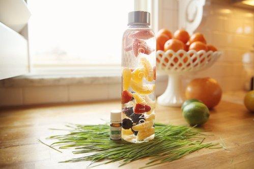 YL fruit water